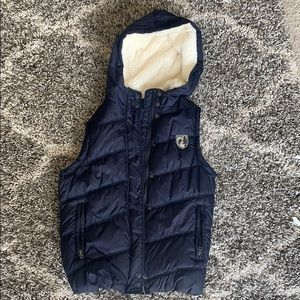 AE puffer vest with hood